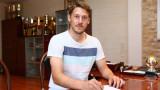 Нов в Левски се надъхва преди мач с гледане на боеве