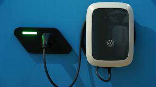 Шефът на VW се оплака от зарядната инфраструктура
