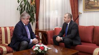 Радев се срещна с извънредния и пълномощен посланик на Русия