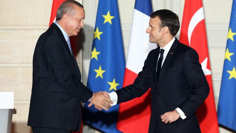 Президентът на Турция Реджеп Ердоган и френският му колега Еманюел