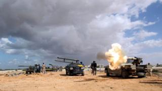 Мощна експлозия уби над 100 човека в Сирт
