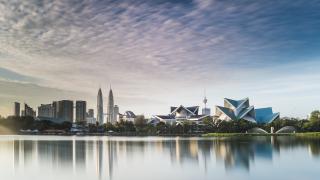 Малайзия осъди на 15 години затвор двама наши наркотрафиканти