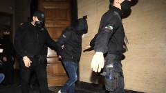 Съдът остави в ареста единия от задържаните  при акцията във ВТУ