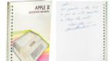 Да получиш посвещение от Стив Джобс: Ръководство за Apple II беше продадено за над $787 хиляди