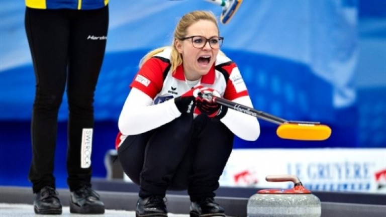 Дамският национален отбор на Швейцария по кърлинг спечели седма световна