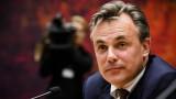Престъпления на бежанци взеха главата на министър в Холандия