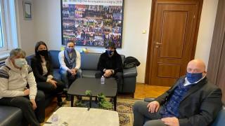 Министър Кралев се срещна със състезателката по кану-каяк Станилия Стаменова
