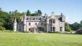 Wardhill Castle - замакът, в който се венчаха Кит Харингтън и Роуз Лесли