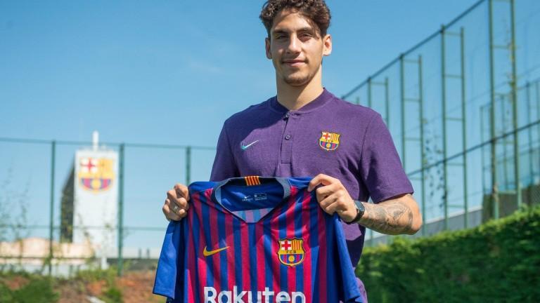 Барселона представи днес поредното си ново попълнение. Това е холандският