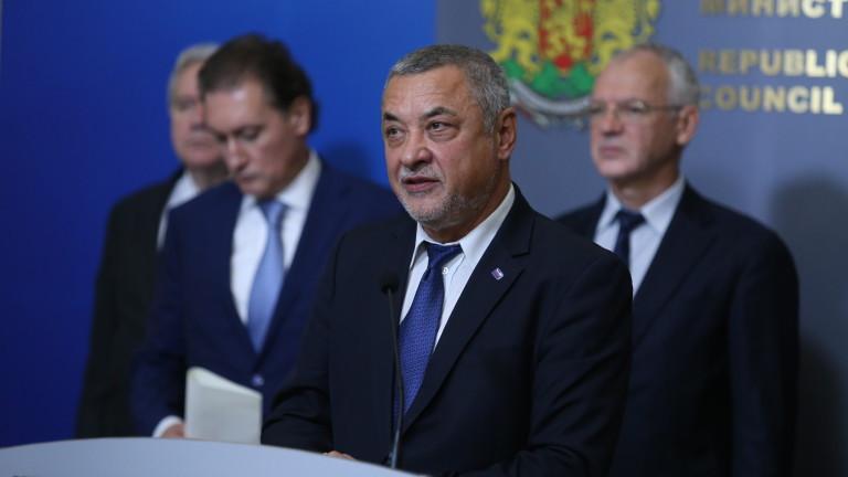 Вицепремиерът Валери Симеонов се обяви категорично против повишаването на максималния
