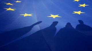 Новата война Изток - Запад, която разкъсва Европа