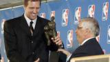 Дирк Новицки най-добър през сезона в НБА