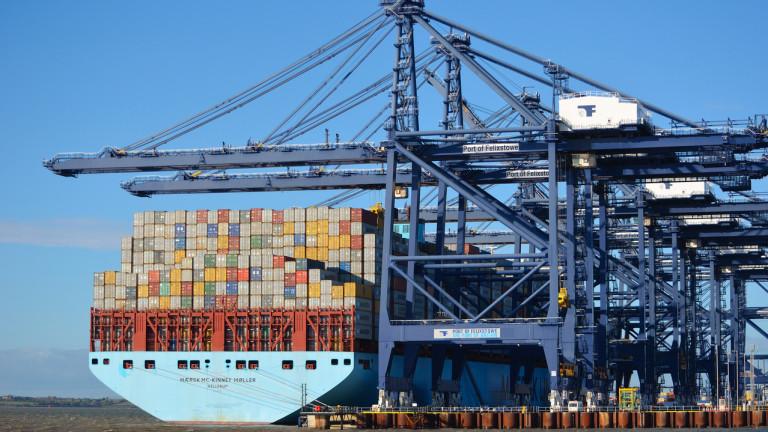 Пристанищата в САЩ претоварени от ожесточен внос преди новите мита