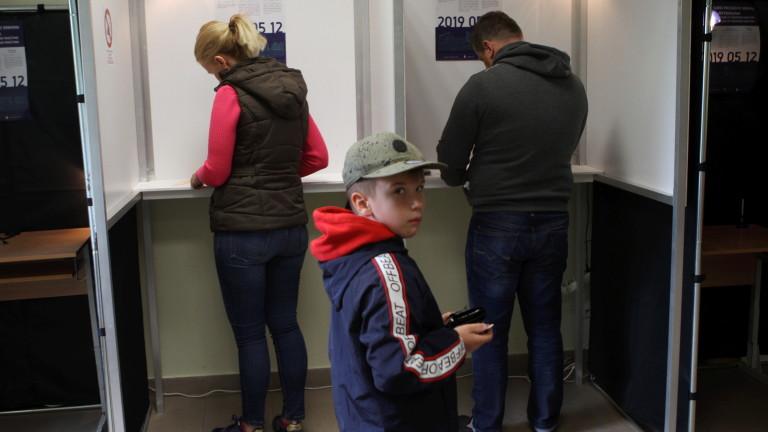 В Литва освен за евродепутати гласуват и на втори тур