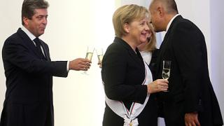 Борисов и Първанов се чукнаха за здравето на Меркел