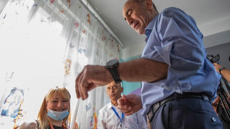 Изпълняващият длъжността министър-председател на Армения Никол Пашинян обяви победа, след