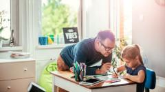 Защо не трябва да помагаме на децата с домашните