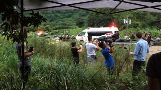 Спасиха четири от децата, блокирани в пещерата в Тайланд