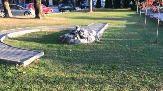 """Разрушиха паметника на жертвите от кораба """"Илинден"""",  МВнР излезе с остра позиция"""