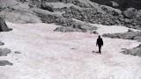 Розовият лед в Алпите, който притесни учените