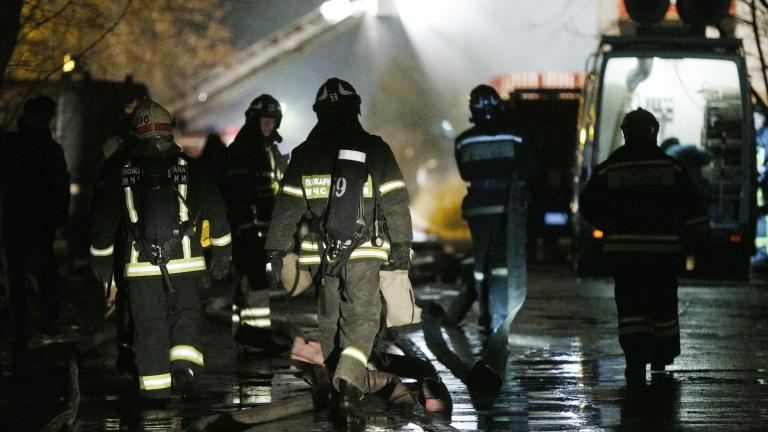 Снимка: Четирима загинали при пожар в жилищен блок в Москва