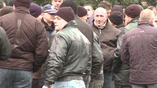 1000 полицаи пиха по една студена вода пред МВР