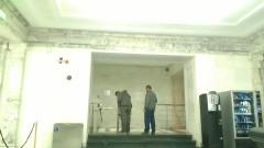 Караянчева пусна журналистите да седнат на дивани