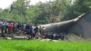 21 души загинаха при самолетна катастрофа в Пакистан