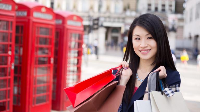 Все повече богати китайци получават британски паспорти по схемата