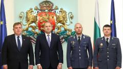 Президентът удостои двама военнослужещи с висше офицерско звание
