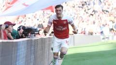 Йозил остава в Арсенал поне до 2021 година