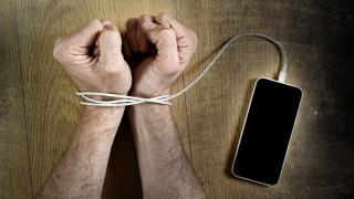 Влогъри на война със смартфоните