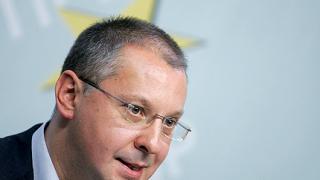 ГЕРБ прокарва лобистки закони, предупреди Станишев