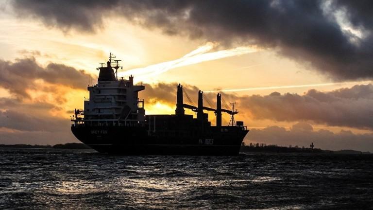 Британски военен кораб опитал да попречи на Иран да задържи британския танкер