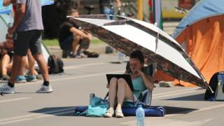 Протестът щял да стане все по-плажен, недоволстващите разчитали на камерите