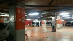 Въоръжени обраха инкасо автомобил на паркинг в софийски мол