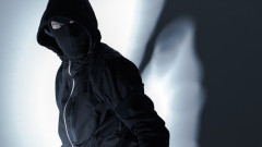 Маскиран опита да обере бензиностанция в София, касиерката го уплаши
