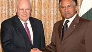 Чейни на изненадващи визити в Афганистан и Пакистан
