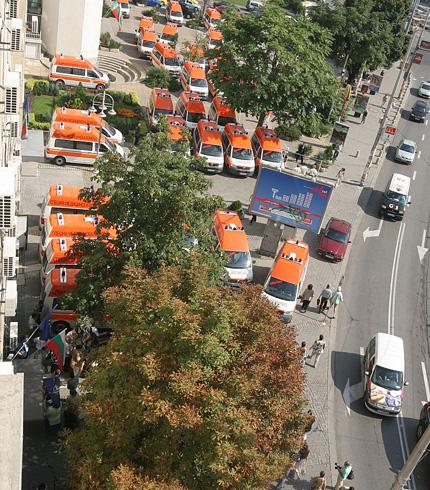 34 нови линейки за спешните центрове в страната