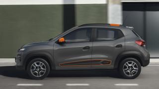 """Задава се буря за Renault в Европа заради """"износа"""" на производството на Dacia Spring в Китай"""