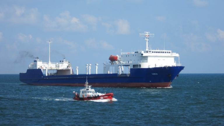 Фериботът Оряхово-Бекет работи само в светлата част на деня