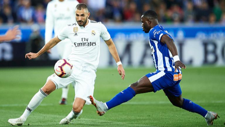 Нападателят на Реал (Мадрид) Карим Бензема тренира наравно със своите