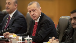 След рокадите в централната банка Ердоган обяви планове за сериозно орязване на лихвите