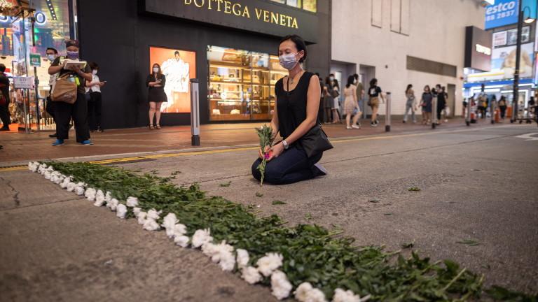 """Хонконг с крути мерки срещу честванията на събитията на пл. """"Тянанмън"""", арестува видна демократка"""
