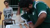 Как се чупят 256 ореха за минута