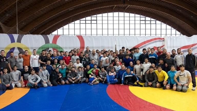 Националните ни състезатели се готвят с първите отбори на домакините