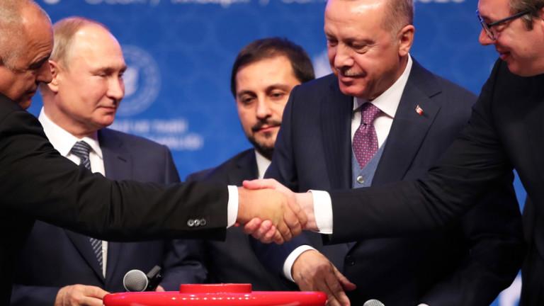 Американският анализатор и експерт по Балканите Януш Бугайски коментира, че