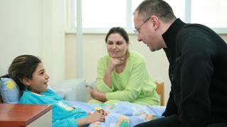 Станишев откри 3 болнични отделения в Кюстендил