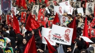 Смърт на Израел и САЩ, скандираха иранци на държавно погребение в Техеран