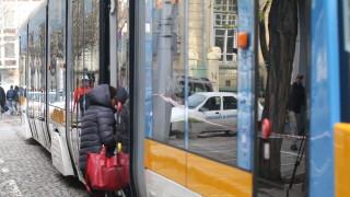 """Няколко трамвая блокираха на площад """"Славейков"""""""